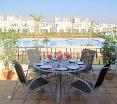 A 2 Bedroom 2 Bathroom Holiday Rental Overlooking Gardens & Pool. Murcia Spain.
