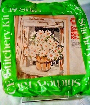 Columbia Minerva Creative Expressions No Count Cross Stitch Kit Daisies Vtg NIP