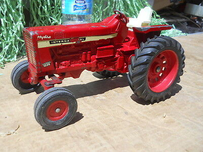 Vintage Played with 1/16th scale  Ertl International  IH 1026  Farm Toy Tractor