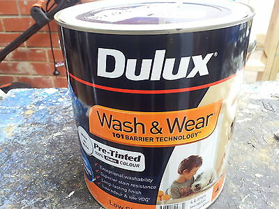 DULUX 4 LITRE WASH/WEAR INT LOW/SHEEN PRE-TINTED WHITE-ON- WHITE colour paint