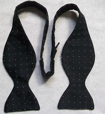 SILK VINTAGE SELF TIE DINNER DICKIE BOW BOWTIE 1990s BLACK WHITE PIN POLKA DOTS