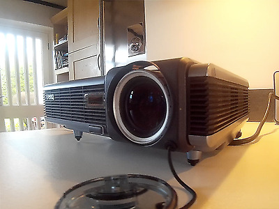 BenQ PB2250 mobile digital projector - for business or home cinema