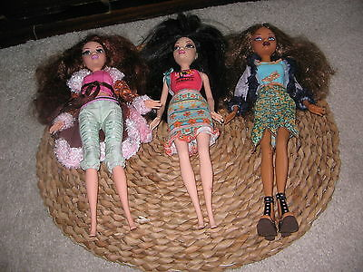 Barbie my scene doll bundle, 3 dolls with clothing
