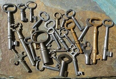 25  Assorted Antique Keys  Furniture Padlock  Skeleton  Cabinet  Mortise