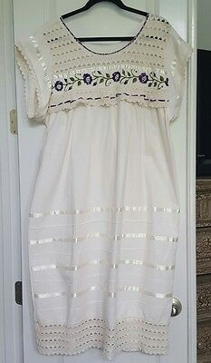 Mexican Ethnic Cultual Dress Embroidered Ivory/Purple Manta Cotton Lace Sz. XL