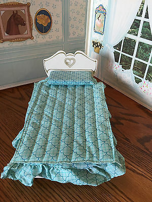 Vtg Sindy Bed W/ Blue Comforter Pillow Doll Furniture Marx Toy 1978