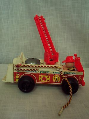 Vintage Fisher Price Little People Fire Engine Pull Toy 1968 No 720