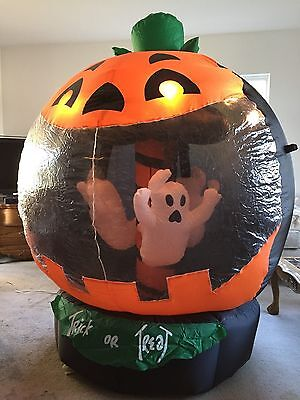 2006 Gemmy 6ft Halloween Airblown Inflatable Rotating Ghosts in a Globe Unused