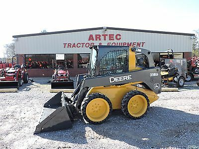 2012 John Deere 318D Skid Steer Loader - Bobcat - Fully Enclosed Cab With Heat!!
