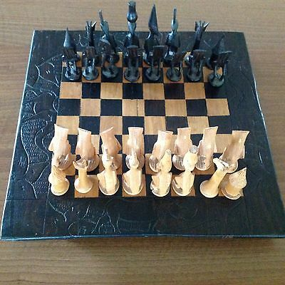 AFRICAN CARVED CHESS BOARD AND PLAYING PIECES SET timber Complete Vgc Africa