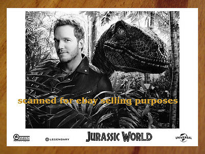 JURASSIC WORLD rare PRESS KIT with PHOTO SET of 40 B&W CHRIS PRATT Spielberg