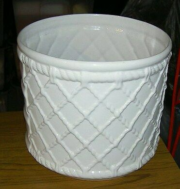 JOB LOT 5 WHITE CERAMIC FLOWER POTS 'Cache Pots' in excellent condition