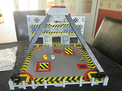 BBC Robot Wars Minibots Battle Arena Fully Working Sounds, Boxed with 3 minibots