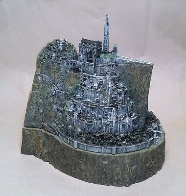 Return of the King Lord of the Rings Minas Tirith Collectors Gift Set No DVD