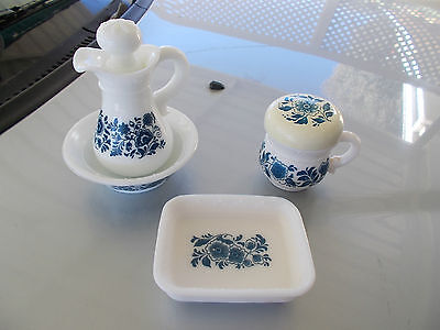 vintage avon dutch blue set,soap dish,pitcher with lid &bowl,sugar bowl with lid
