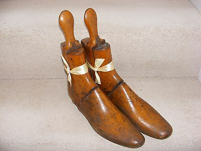 Vintage Pair Wooden Shoe Trees Last Gents Three Piece Stretcher Hinged Treen