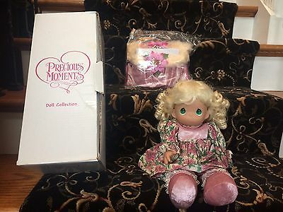NEW IN BOX Precious Moments Stocking Doll A Christmas to Remember 8214 '07 Blond