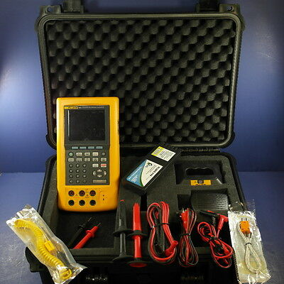 Fluke 744 Documenting Process Calibrator, Good! Leads Probes Case! See Details!