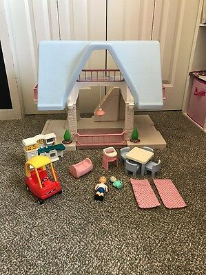 Vtg Little Tikes Dollhouse Blue Roof Furniture Figures People accessories