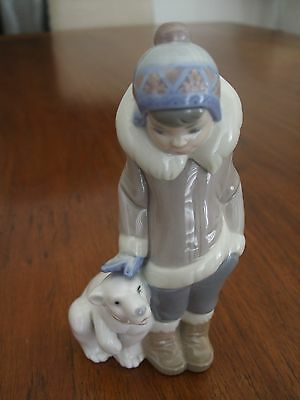 LLADRO Eskimo Boy with Polar Bear  # 5238  ..  Mint Condition