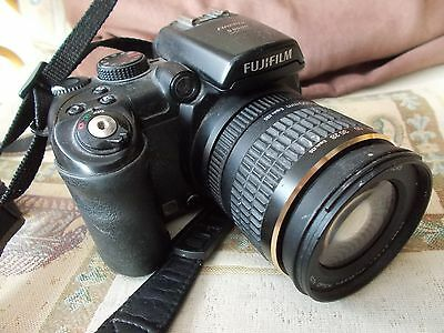 Fuji Fine Pic S9600 Digital Bridge Camera