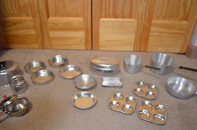 20 Piece Child's Play Cookware & Bake Ware - Estate