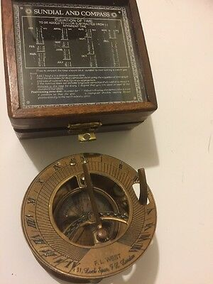 Solid Brass Collectable Pocket Sundial Compass With Wood Case ( Amat 7173)