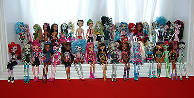 MONSTER HIGH HUGE 49 DOLL LOT ACCESSORIES, CLOTHES, SHOES, JEWELLERY, BOYS L@@k