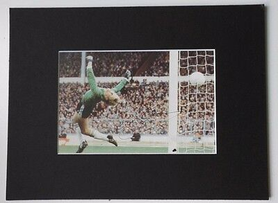 """GARY BAILEY MANCHESTER UNITED & ENGLAND SIGNED  MOUNTED PICTURE 9.5"""" x 7"""" 1980'S"""