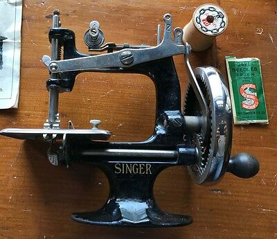 Singer Model 20 Child Sewing Machine with Original box,instructions and clamp