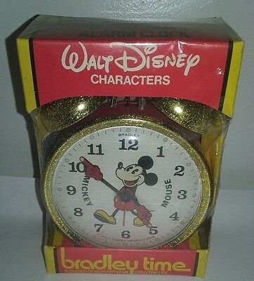 Vintage NOS Bradley Disney's Mickey Mouse Red Double Bell Wind Up Alarm Clock