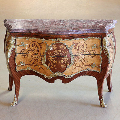 LOUIS-XV-STIL KOMMODE, FRANKREICH, reiche BRONZE-APPLIKEN, florale MARKETERIEN