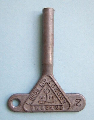 Larger Triang Minic clockwork toy key. No.2 size
