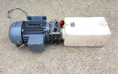3 Phase / 240 Volt Hydraulic Power Pack With Plastic Tank