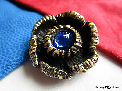 3347 – XL Wood Composition Cobalt Blue Faceted Jewel OME Realistic Flower Button