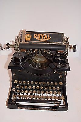 Antique 1915-17 Royal Standard Model 10 Typewriter