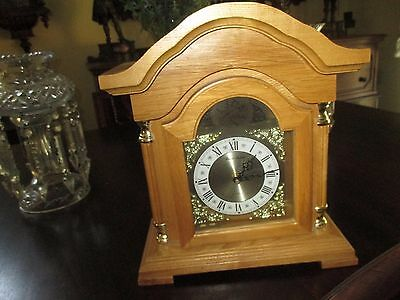Vintage oak traditional column westminster chime roman numeral mantle clock NICE