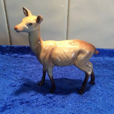 LOVELY BESWICK STANDING DEER DOE MODEL No 999A MINT CONDITION
