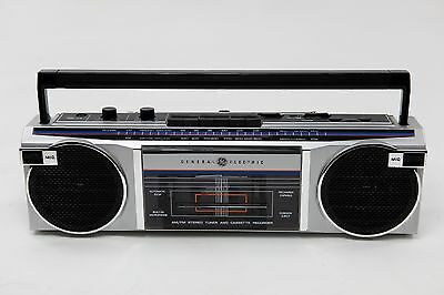 Vintage 1987 GE General Electric AM/FM Stereo Tuner Cassette Recorder Boombox