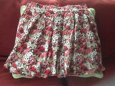 Ladies New Look Cameo Rose Mini Skirt. NWT. Floral Multi Coloured.Size 10.