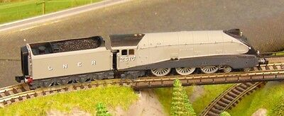 "DAPOL ""NEW""  LNER A4 Quick Silver loco ""LIMITED EDITION 059/200   N Gauge"