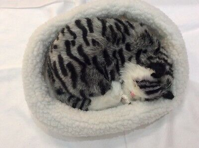 Emulation Sleeping Breathing Grey Tabby Cat Toy Pet with Woollen Bed