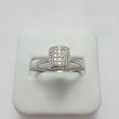 9ct WHITE GOLD DIAMOND RING VALUED @ $982 COMES WITH VALUATION
