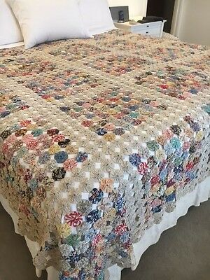 ANTIQUE AMERICAN Early 1900s VINTAGE PATCHWORK QUILT - Yo Yo's