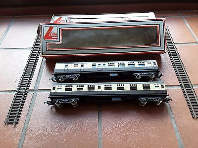 2X Lima Model Carraiges 305333W In Excellent Condition & 2 Pieces Of Track