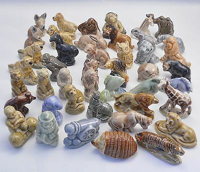 Lot 44 Wade Whimsies, English 1971-84 circus Tom Smith crackers etc, no boxes
