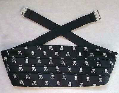 CUMMERBUND CUMBERBAND PLEATED MENS VINTAGE 1990s SILK SKULL CROSSBONES UP TO 44""