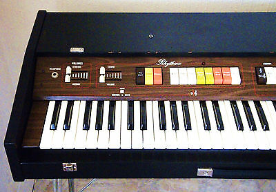 Viscount Intercontinental VS20 Organ 1970s Vintage Synth with stand. Vox related