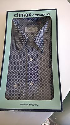 Vintage Mens Shirt Boxed Size 15 1/2 Collar 1970S