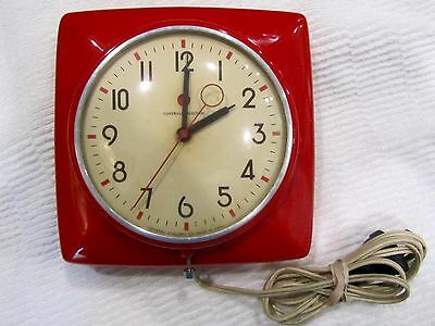 VTG Red 1950's Kitchen Clock General Electric Retro Collectible Wall Mount NICE!